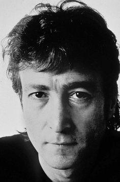 Annie Leibovitz:John Lennon, December, 1980(a few days before his murder)