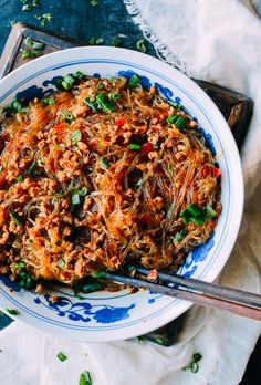 Ants Climbing a Tree (ma yi shang shu - 蚂蚁上树) is a classic Sichuan dish of glass noodles in a delicious sauce with ground pork. Our recipe is beyond easy.