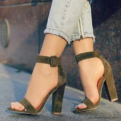 high heels – High Heels Daily Heels, stilettos and women's Shoes Dream Shoes, Crazy Shoes, Me Too Shoes, Pumps Heels, Stiletto Heels, High Heels, Stilettos, Shoes Sandals, Shoes Sneakers
