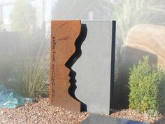 Grafmonument in cortenstaal foto 1 Stone Sculpture, Sculpture Art, Tombstone Designs, Park Signage, Tabletop Water Fountain, Railing Design, Wood Design, Metal Facade, Trophy Design