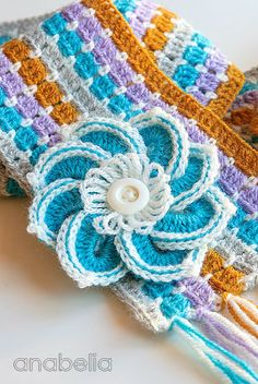 Crochet scarf and brooch by Anabelia