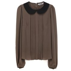Round collar blouse.