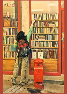 Photo of a girl in front of a mural at a bookstore. Kids Reading, Reading Nook, Woman Reading, I Love Books, Books To Read, My Books, Library Bookshelves, Book Images, Book Nooks