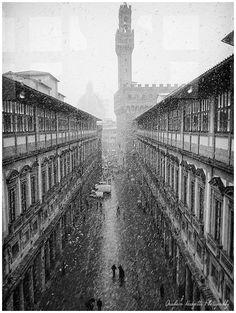 Firenze Uffizi Snow Flurry   #TuscanyAgriturismoGiratola