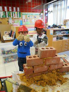 Welkom in de klas van Juf Anke! (K3C): Thema: de drie biggetjes Bob The Builder, Love You Dad, Community Helpers, Classroom Door, Reggio Emilia, Little Pigs, 4 Year Olds, Wolf, Nursery Rhymes