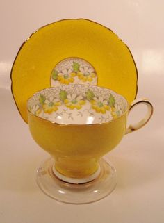 Paragon, English Tea Cup/Saucer, Numbered, Yellow with Daisies, 1952 - 1960