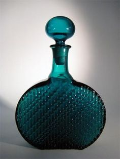 "NANNY STILL - ""Flindari"" glass decanter designed 1963 for Riihimäen Lasi Oy, in production Finland. Dragonfly Art, Antique Perfume Bottles, Vases, Grey Glass, Pots, Antique Glass, Glass Design, Carafe, Scandinavian Design"