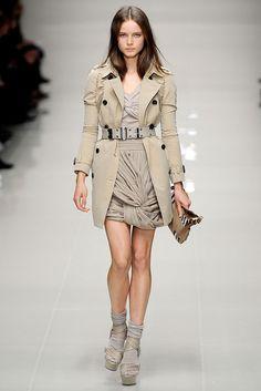 Burberry Prorsum | Spring 2010 Ready-to-Wear Collection | Anna de Rijk