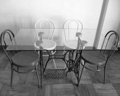 mesas modernas con bases de hierro fundido de estilo vintage
