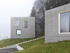 Oskar Leo Kaufmann - House R, Schnepfau 2012 (prev). Via, photos (C) Adolf Bereuter. Concrete Architecture, Residential Architecture, Architecture Details, Interior Architecture, Cabana, Cube Design, Unique House Design, Small Buildings, House Windows