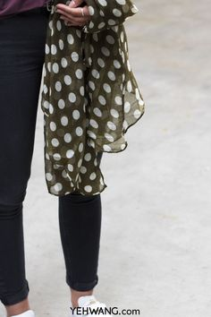 New Yehwang Scarf Dots <3