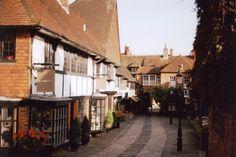Lion & Lamb walkway in Farnham. Shot on Canon Ae1 program, Kodak film stock. 400 ASA / ISO. Expired in 2006. 50mm lens