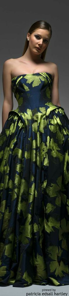 Isabel Sanchis - 2015 ~ Like the faux Pannier appearance of the bodice to skirt!