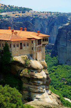 Varlaam Monastery, Meteora, Greece (via pinterest)