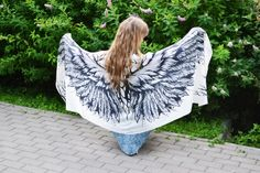 Product description for silk scarfs Scarf size - cm x cm material - silk satin Growth of the model on the photo m ' please note if you are higher Beach Bridesmaids, White Angel Wings, White Scarves, Scarf Styles, Silk Satin, Different Styles, Soft Fabrics, Scarf Wrap, Gifts For Mom