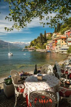 How many people live in Italy? According to data of the population and Housing Census of provided by Istat, in Italy there are around 60 milions Positano Italy, Sicily Italy, Venice Italy, Toscana Italy, Sorrento Italy, Capri Italy, Naples Italy, Places To Travel, Travel Destinations