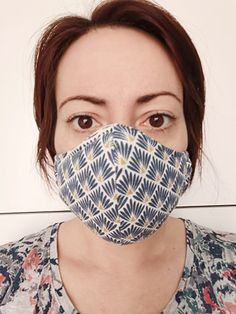 For lack of better, let's sew a washable mask … You must have seen them pass on the networks … all these calls to sew masks to face the epidemic of coronavirus. For my part, I must admit that … Diy Mask, Diy Face Mask, Sewing Patterns Free, Free Pattern, Crochet Pattern, Lady Rockers, Arm Warmers, Ideias Fashion, Sewing Projects