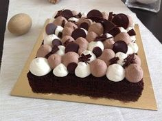 Dessert Decoration, How Sweet Eats, Easy Desserts, Sweet Recipes, Ham, Cheesecake, Food And Drink, Birthday Cake, Yummy Food