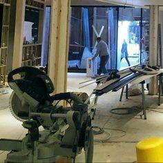 Servicio de montaje de equipamiento comercial y mobiliario corporativo en Canarias Gym Equipment, Shop Fittings, Stall Signs, Vinyls, Workout Equipment