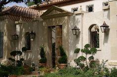 Presentamos una casa de estilo mexicano que se caracteriza por abarcar diversos estilos como el contemporáneo y el colonial. Un punto importante es saber que principalmente se centra en los…
