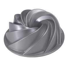 Who wouldn't want a spirally, swirly cake?