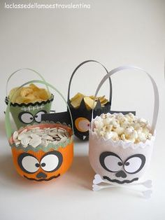 Halloween: Siete in ritardo? Ultime idee spaventose per questa notte di halloween Halloween Bags, Halloween Decorations, Halloween Party, Recycling For Kids, Diy For Kids, Bricolage Halloween, Hallowen Ideas, Trick Or Treat, Party Time
