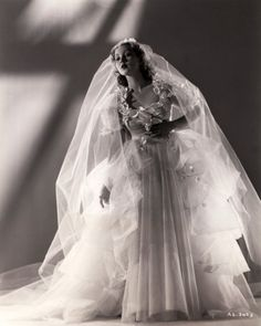 Ann Southern 1937 ...gorgeous wedding dressAnn Sothern was an American stage, radio, film and television actress whose career spanned six decades. Sothern began her career in the late 1920s in bit parts in films