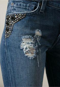 7 For All Mankind Calça jeans skinny Jeans Skinny, Distressed Skinny Jeans, Denim Fashion, Fashion Pants, Estilo Jeans, Seven Jeans, Diy Shorts, Patched Jeans, Embellished Jeans