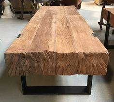 Tree Furniture, Metal Furniture, Home Decor Furniture, Rustic Furniture, Furniture Design, Wood Slab Table, Wood Table Design, Diy Dining Room Table, Rustic Wooden Shelves