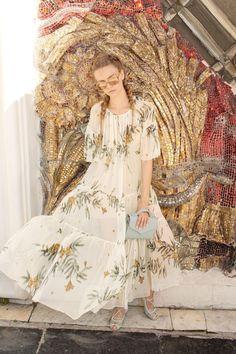 Alena Akhmadullina Spring 2018 Ready-to-Wear Fashion Show
