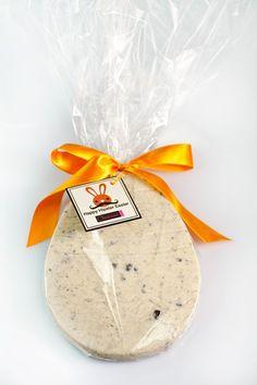 Uma novidade divertida para sua Páscoa:ovo 2D de chocolate branco 100% belga no sabor cookie.São 190 gramas de pura gostosura.