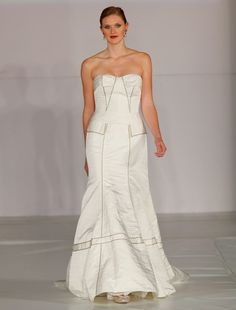 This 100% Authentic, New Anne Barge LF202 Discount Designer Wedding Dress La Fleur definitely has a modern look.  This gown is from the La Fleur Collection. Now up to 90% Off Retaill! #annebarge
