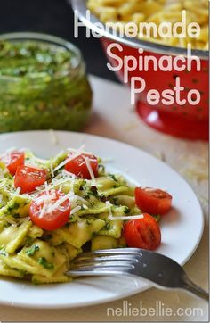 How to make homemade spinach pesto #recipes #pesto #homemadepesto