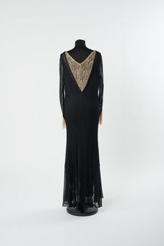 ABENDKLEID 1930-1935 Viskose (gewirkt), Maschinenspitze Amazing Dresses, Nice Dresses, Online Collections, Fashion, Fashion Styles, Evening Dresses, Long Sleeve, Black, Gowns