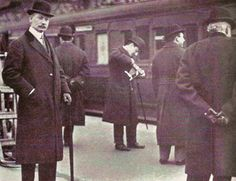John Jacob Astor at the train that would take him and his bride to the Titanic. Astor's body was recovered and because his body was badly crushed and covered in soot, Astor is believed to have been smashed by the first smokestack as it fell from. Rms Titanic, Titanic History, Titanic Ship, Belfast, Old Pictures, Old Photos, John Jacob Astor, Liverpool, Modern History