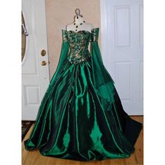 Green medieval dress front.