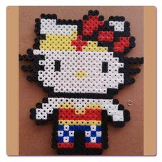 Wonder Woman, Hello Kitty hecha con Hama Beads, para pedir una igual ir a la web