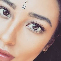 Shay's lashes are so long! | Pretty Little Liars