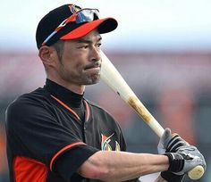 ICHIRO SUZUKI, Seattle Mariners. What a beautiful Asian man. | Hunks