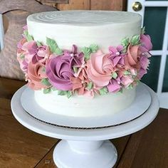 Image may contain: food Birthday Cake Roses, Novelty Birthday Cakes, Pretty Cakes, Beautiful Cakes, Amazing Cakes, Baking Cupcakes, Cupcake Cookies, Bolo Floral, New Cake