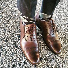 Portuguese Gentleman - Camouflage Inspiration Socks and black oxfords Mens Fashion Blog, Men's Fashion, Black Oxfords, Fashion Socks, Well Dressed Men, Portuguese, Camouflage, Gentleman, Oxford Shoes