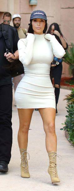 Kim Kardashian Leaving Her Hotel In Dubai