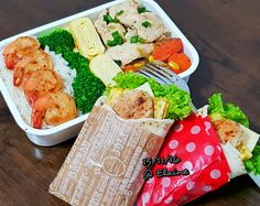 Healthy Breakfast  and  Healthy lunch box . . . .  #sgfood #sg #breakfast #lunchtime #lunch #lunchbox #homecooked #homemade #vegetables #veggies #chicken #eggs #corn #carrot #healthyfood #healthy #healthyeating #cheese #lemon #eggrolls #wraps #wrap #prawn #chickenbreast #broccoli