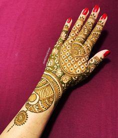 Happy Sunday 💕 #weekendvibes #art #orlandobride #floridawedding #bridalhenna #indianmehndi #fashiongram #stylediaries #lifestyle… Indian Mehendi, Mehendi Arts, Wedding Mehndi, Bridal Henna, Beautiful Henna Designs, Mehndi Art Designs, Henna Mehndi, Henna Patterns, Weekend Vibes