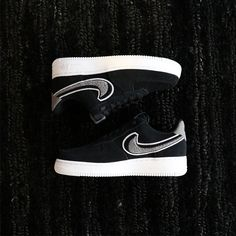 huge selection of 7f086 0e8cc Nike Air Force 1  07 LV8
