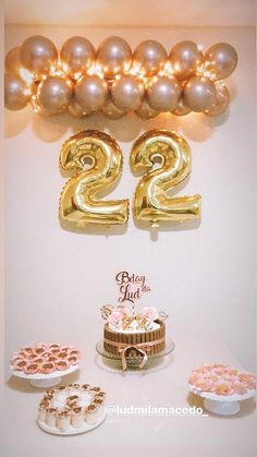 Cute Birthday Gift, Gold Birthday Party, 22nd Birthday, Birthday Parties, Hippie Birthday, Birthday Party Decorations Diy, Balloon Decorations Party, 21st Birthday, Butterfly Birthday Party