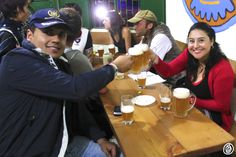 Disfrutando la Hipona, la cerveza artesanal de San Agustín.