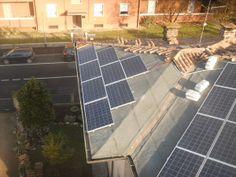 Impianto fotovoltaico residenziale (fase di installazione pannelli)