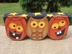 Items similar to 11009 Halloween Hoot Decorative Painting Pattern from Oil Creek Originals on Etsy Painted Bricks Crafts, Brick Crafts, Painted Pavers, Stone Crafts, Painted Rocks, 2x4 Crafts, Painted Wood, Kids Crafts, Hand Painted