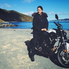 Little pic from my ride in Eastbourneloving my life #eastbourne#riding#motorbike#yamaha#yamahamt07#girlrider#wellington#nz#wellingtonnz#freedom#coffee#happiness#sunshine#simplethingsinlife#sportbike #roadster#streetbike #funtime